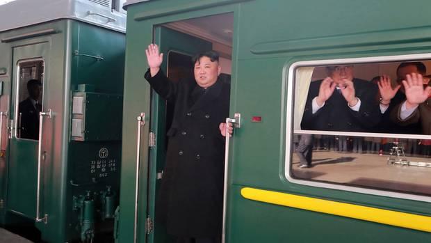 Kim Jon Un fährt Zug