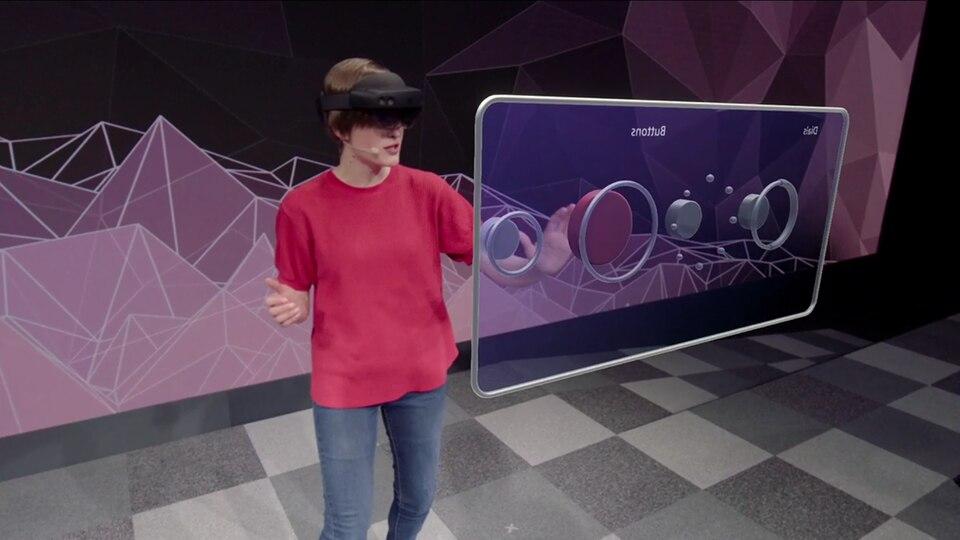 Die neue Hololens 2 ermöglicht es, virtuelle Schalter auch anzufassen und direkt mit den Händen zu bedienen