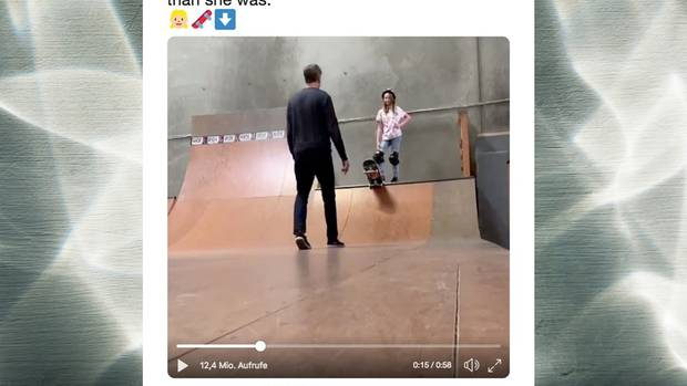 Tony Hawk Twitter Skateboard