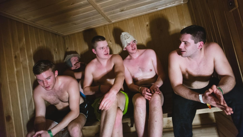 Engels sauna sarah nackt Sarah Engels