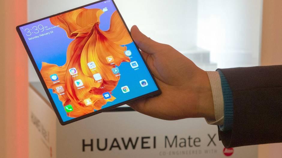 Mate X: Huawei zeigt faltbares Handy