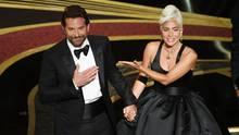 Bradley Cooper und Lady Gaga bei den Oscars