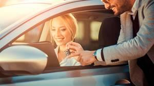 Sonstige Rabatte plus Prämie machen einen Neuwagen deutlich billiger.