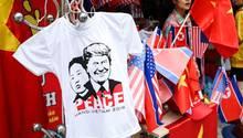 Trump-Kim-Gipfel in Hanoi: Wunsch nach Frieden auf einem T-shirt