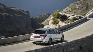 Toyota Corolla TS 1.8 Hybrid -ausgewogenes Fahrwerk