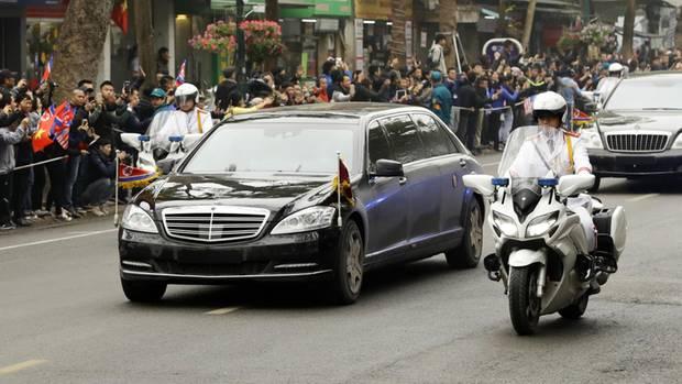 Mercedes S600 Pullman Guard