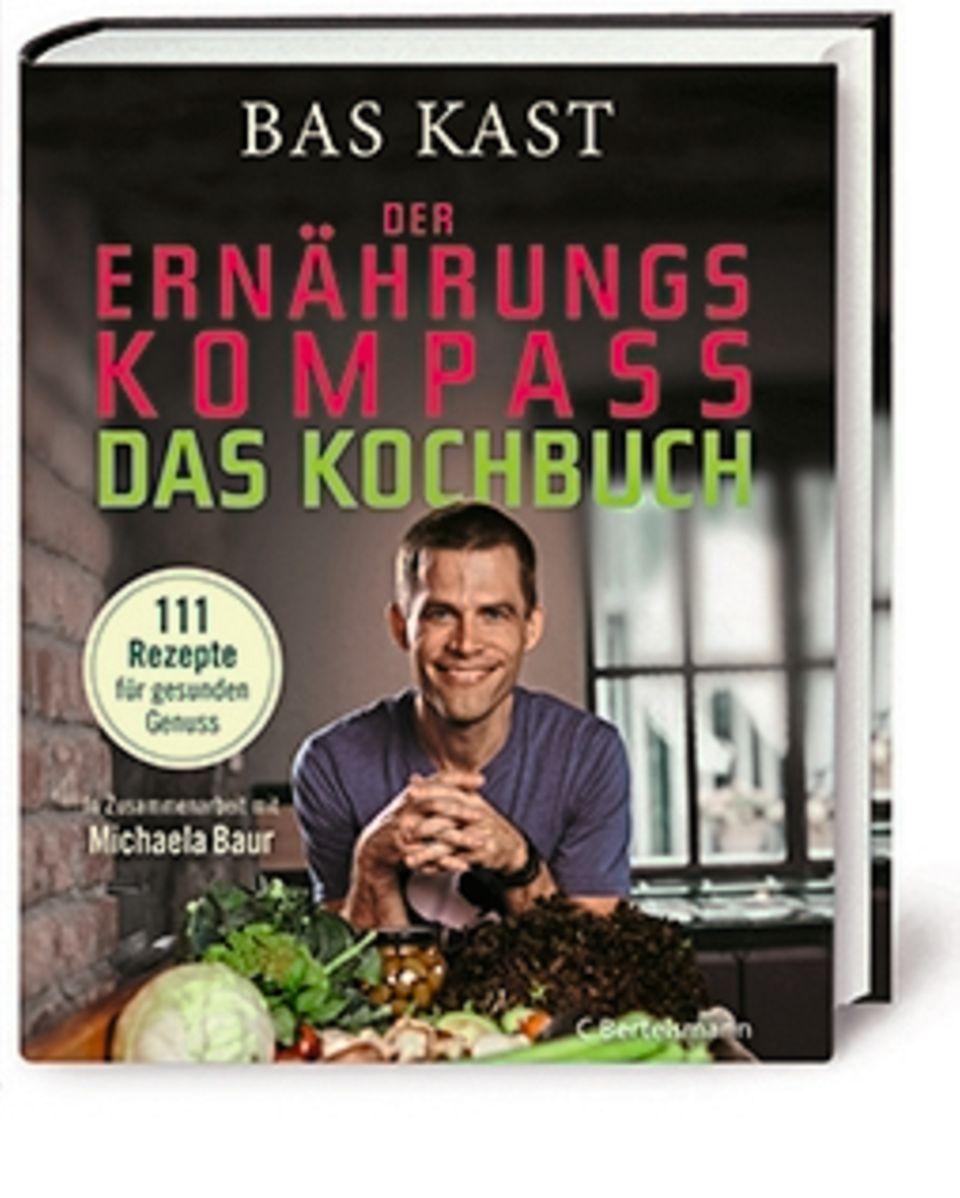 """Bas Kast in Zusammenarbeit mit Michaela Baur:  """"Der Ernährungskompass. Das Kochbuch. 111 Rezepte für gesunden Genuss"""", C. Bertelsmann, 22 Euro (seit25. Februar im Handel)."""