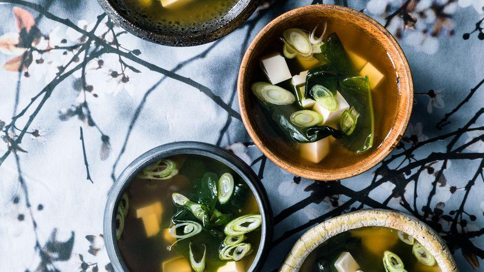 Rezepte zum Nachkochen: Die beste Kur gegen den Kater: Miso-Suppe