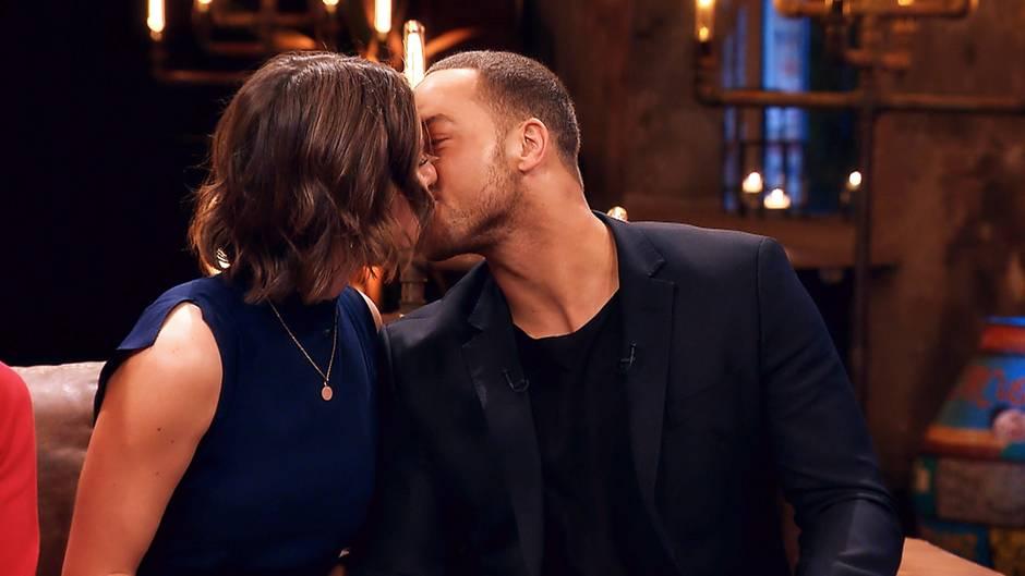 Offenbar schwer verliebt: Jennifer und Bachelor Andrej