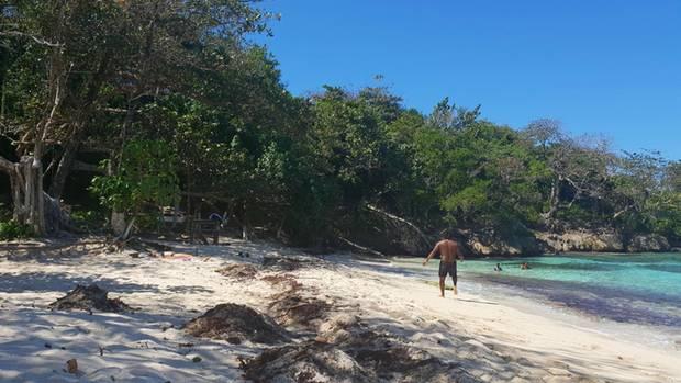 Winnifred Beach ist ein Naturstrand - und einer der letzten Strände, die nicht von Hotels privatisiert wurden