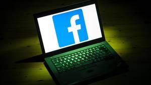 Facebook Umfrage
