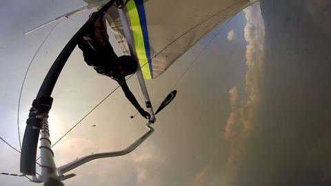Unglück in Großbritannien: Fallschirm öffnet sich nicht: Skydiverin stürzt in den Tod