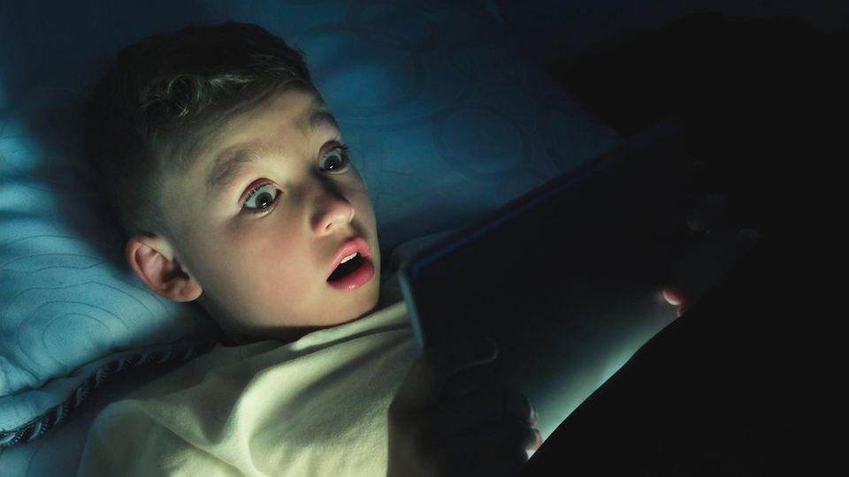 Youtube ist bei Kindern beliebt - doch versagt in letzter Zeit bei ihrem Schutz (Symbolbild)