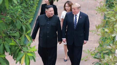Kim Jong Un und Donald Trump in Hanoi. In der Heute-Show sinnierte Oliver Welke über das Ende ihrer Bromance.