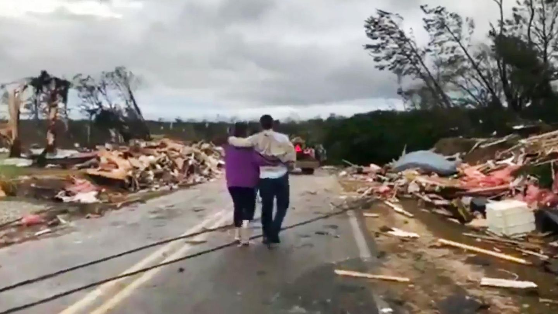Tornados - Verwüstungen im Lee County, Alabama