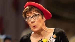 Annegret Kramp-Karrenbauer bei ihrer Büttenrede in Stockach