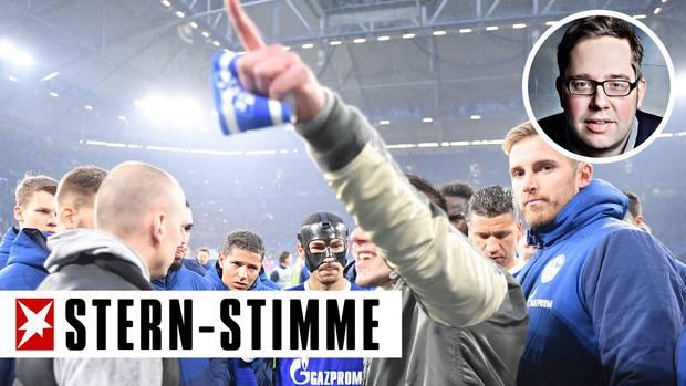 Die Schalke-Ultras rissen ihrem Kapitän nach Abpfiff am Samstag die Binde vom Arm
