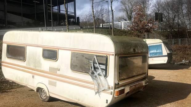 Dieser und ein weiterer Wohnwagen wurden von der Polizei sichergestellt