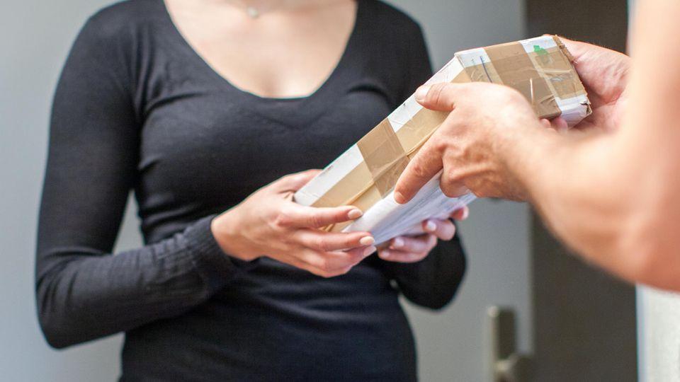 Paketdienste - Haustür-Lieferung - Aufschlag - DPD - Hermes