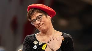 Annegret Kramp-Karrenbauer beim politischen Aschermittwoch: So soll sie anmoderiert werden