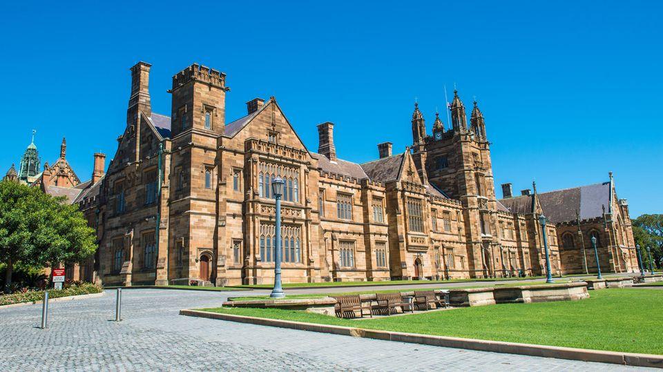 """Chinesische """"Harry Potter""""-Fans reisen zur University of Sydney"""
