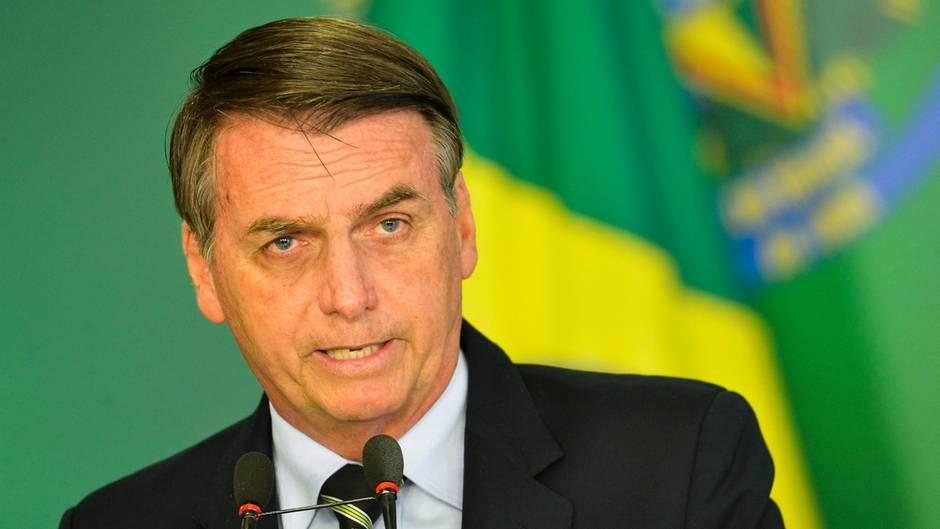 Jair Bolsonaro auf einer Pressekonferenz