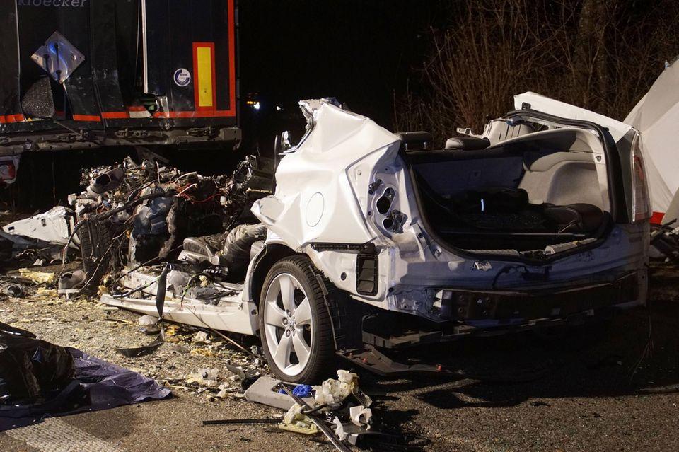 nachrichten aus deutschland tödlicher unfall auf b35