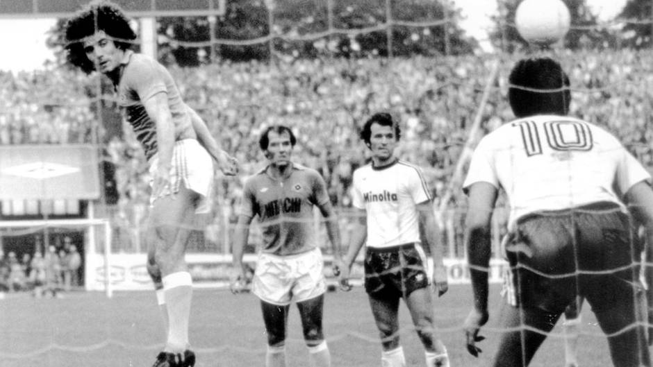 Derby 1977 St Paul HSV
