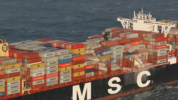"""Die """"MSC Zoe"""" verlor in der Nacht auf den 2. Januar 2019 mehr als 300 Container"""