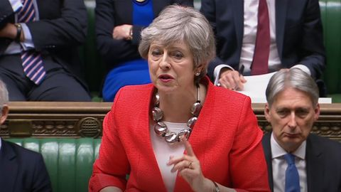 Die britische Premierministerin Theresa May hat das Parlament eindringlich zur Annahme ihres Brexit-Deals mit der EU aufgerufen
