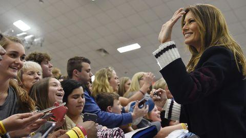 Melania Trump begrüßt die Einwohner von Opelika, Alabama