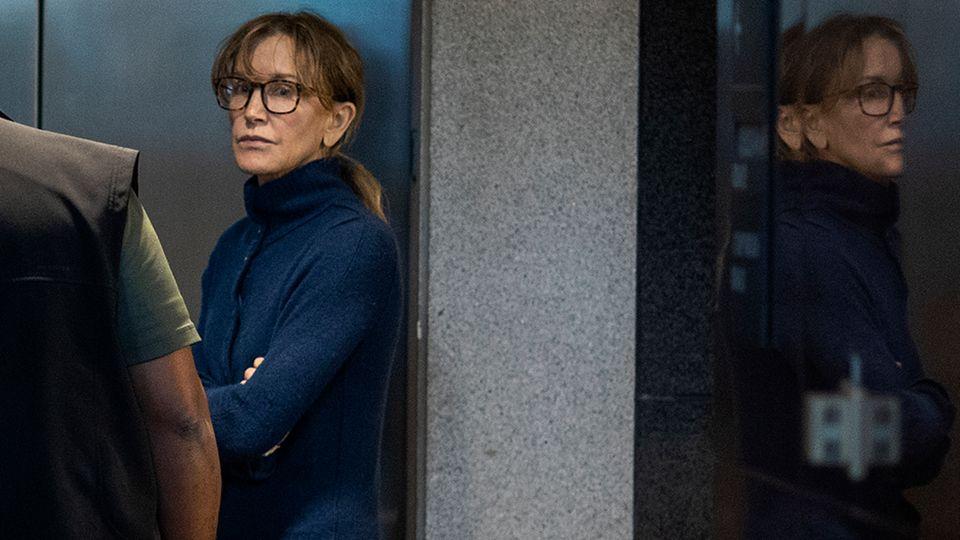 """Desperate Housewives""-Star Felicity Huffman wurde festgenommen"