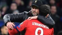 FC Bayern verliert gegen FC Liverpool - Klopp tröstet Lewandowski