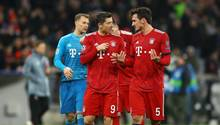 FC Bayern München: Robert Lewandowski und Mats Hummels diskutieren nach dem Spiel