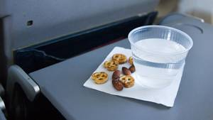 Nüsse im Flugzeug
