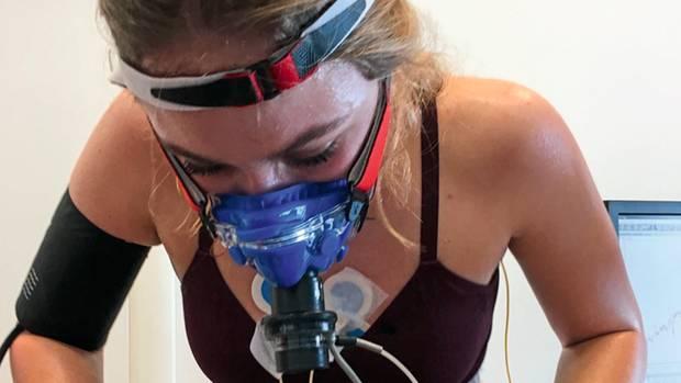Sophia Flörsch beim ein Belastungs-EKG