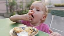 In einem Hamburger Café sind kleine Kinder nicht willkommen