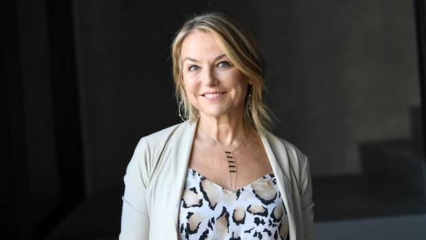 """""""Affären sind normal"""", sagt die New Yorker Paartherapeutin Esther Perel. Deshalb sei es wichtig, dem Phänomen Fremdgehen auf eine neue Art zu begegnen – mit mehr Empathie und weniger Verurteilung."""