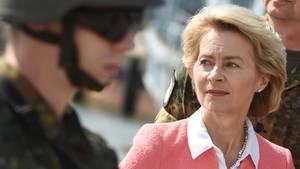 Setzt weiter auf die Hilfe externer Berater: Bundesverteidigungsministerin Ursula von der Leyen (CDU)