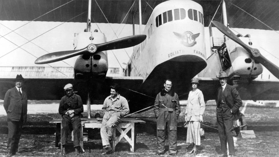 """DieFarman F.60 """"Goliath"""" ist ein umgebauter Bomber:Am 8. Februar 1919 eröffneten die Farman Airlines mit dem Flug Paris-London die erste internationale Luftverkerslinie."""