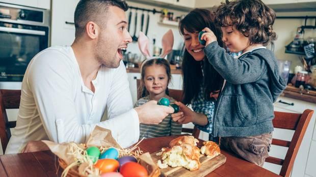 Welche Osterbräuche gibt es und wer pflegt sie noch? Statista hat 785 Menschen befragt, welche Traditionen sie an Ostern pflegen. Erkennen Sie Ihre Ostertraditionen wieder?