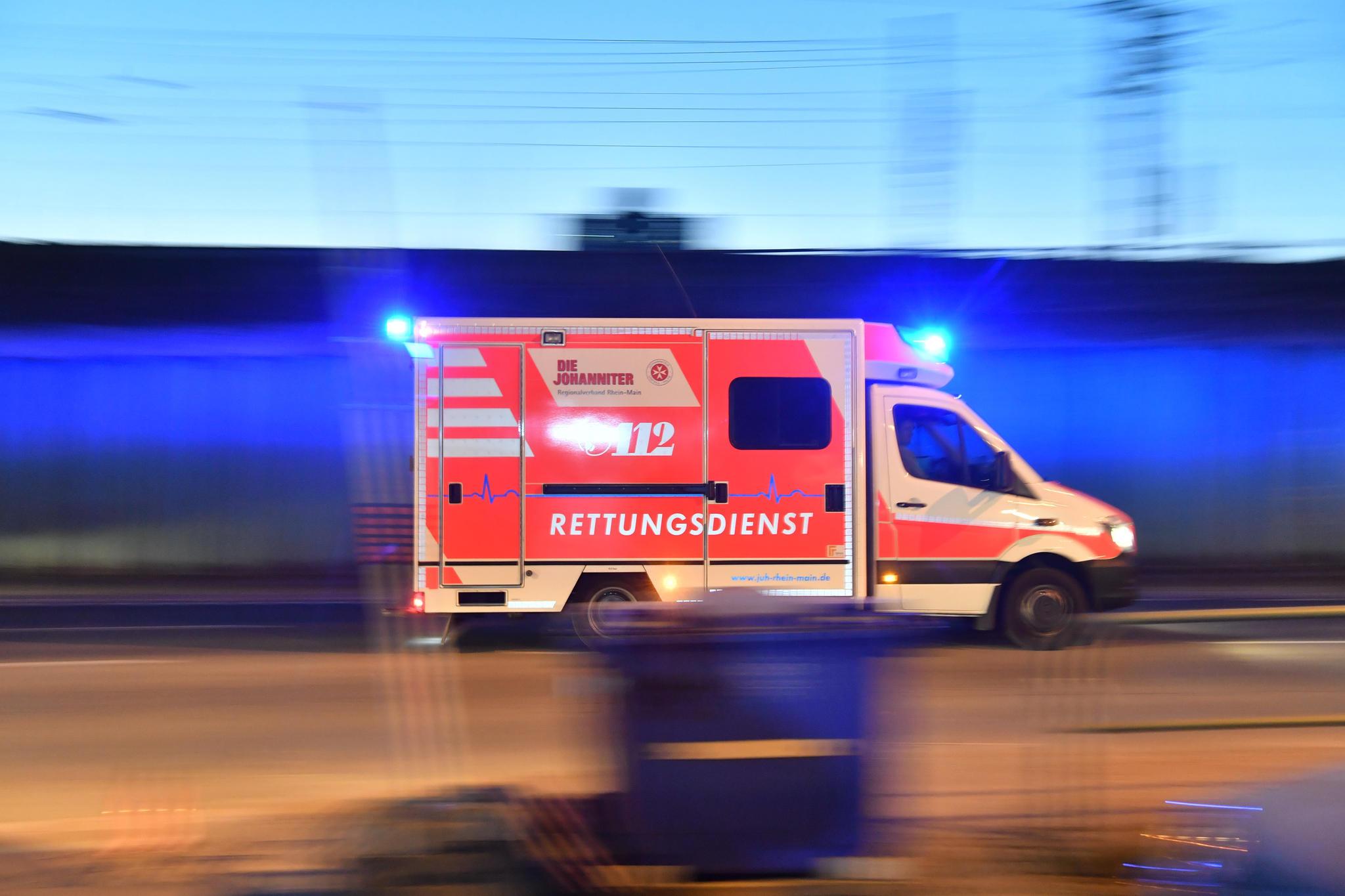 Tragischer Badeunfall: 16-Jährige geht mit ihrem Handy in die Badewanne und erleidet tödlichen Stromschlag