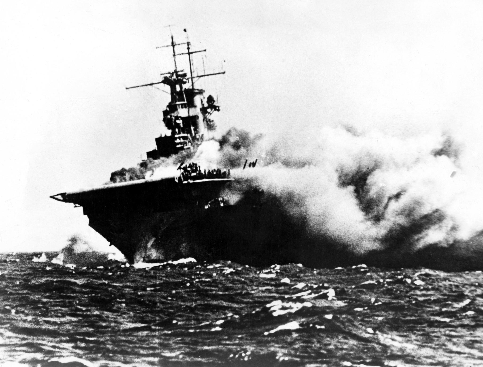 """Spektakuläre Aufnahmen: Flugzeugträger """"USS Wasp"""" 1942 von Torpedos versenkt – jetzt entdeckten Forscher das Wrack"""