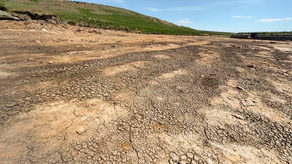 Auch in Großbritannien werden die Sommer heißer. Im vergangenen Juli trocknete beispielsweise ein großer Teil desMarch Haigh Reservoir in West Yorkshire aus, das der Wasserversorgung der Bevölkerung dient.