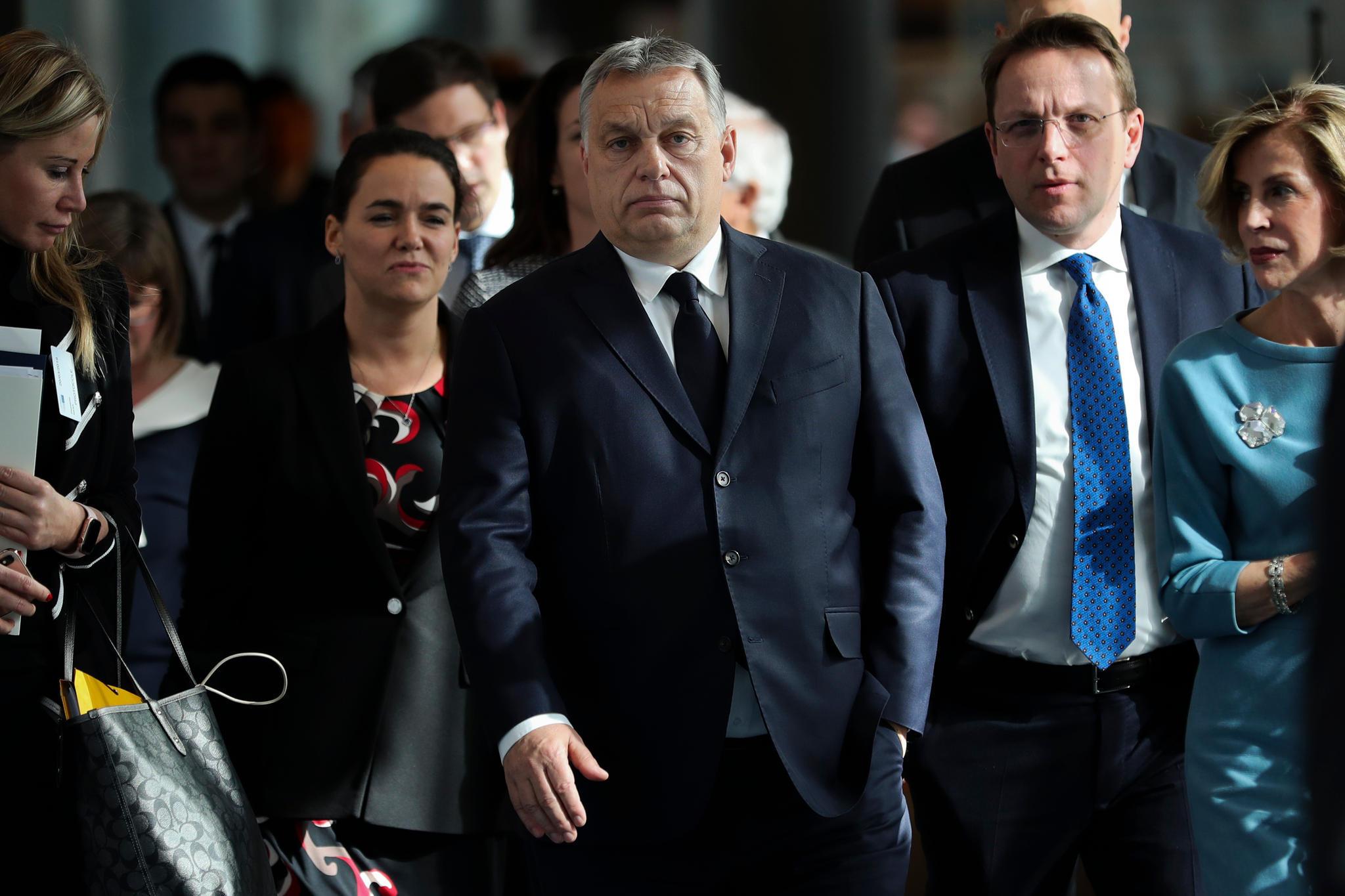 News des Tages: EVP suspendiert Orbans Fidesz-Partei