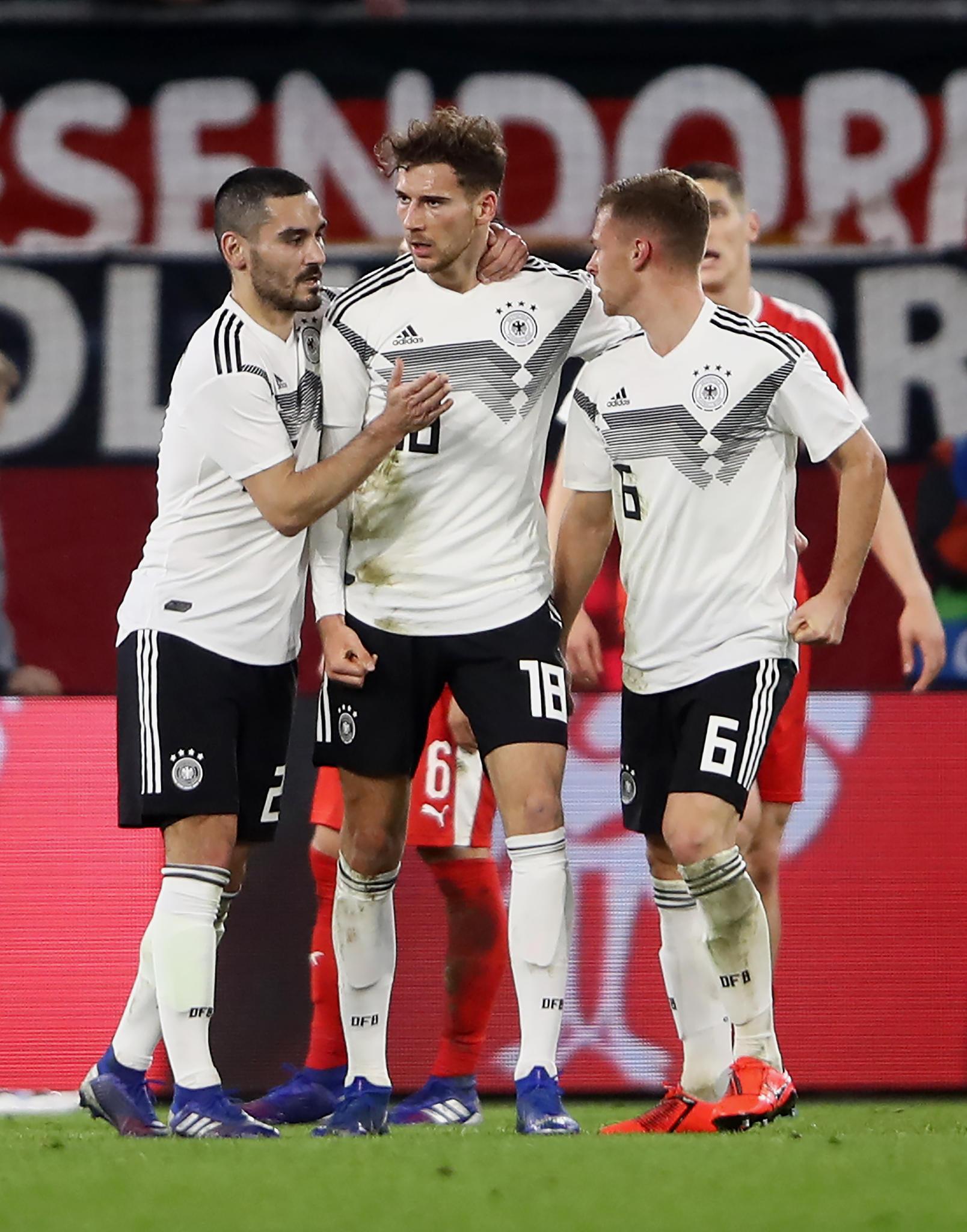 Testspiel in Wolfsburg: Deutschland verschenkt Sieg gegen Serbien - hässliches Foul gegen Sané