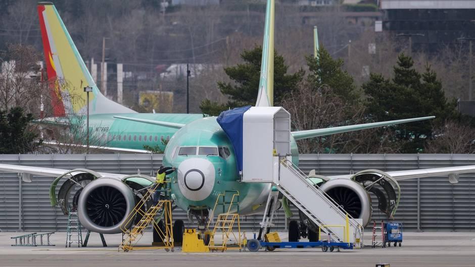 Vor den Produktionshallen in Renton bei Seattle im US-Bundesstaat Washingtongeparkte Jets vom Typ Boeing 737 MAX