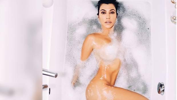 Kourtney Kardashian blamiert sich mit Photoshop-Fail: Brustwarze am Handgelenk