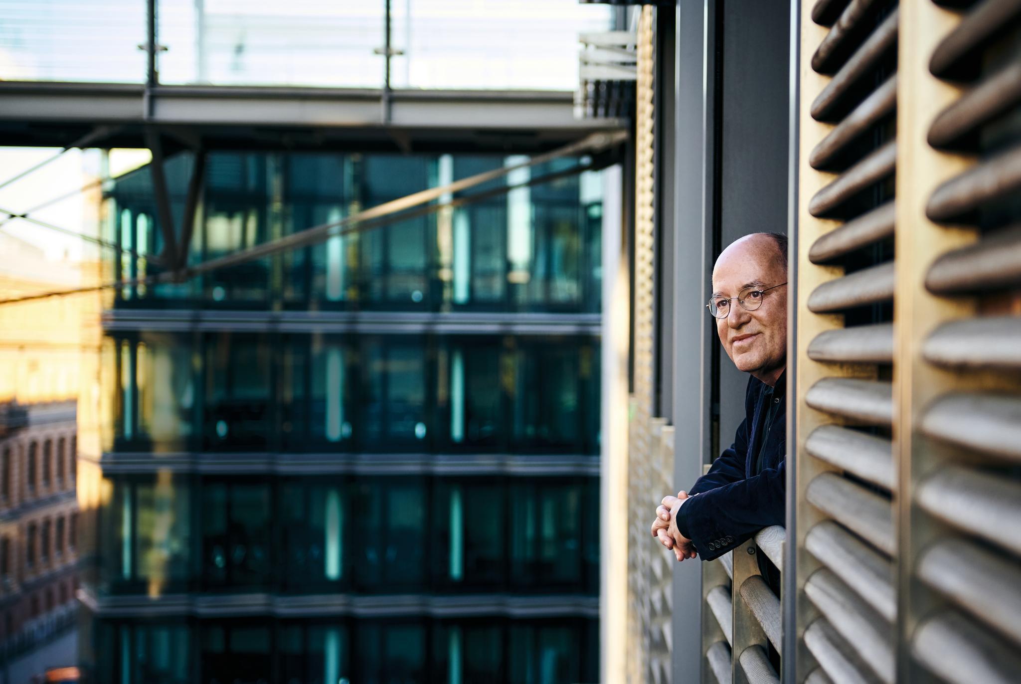 Anwalt und Politiker: Gregor Gysi über 70 Jahre Bundesrepublik und sein Leben vor, nach und mit der Einheit
