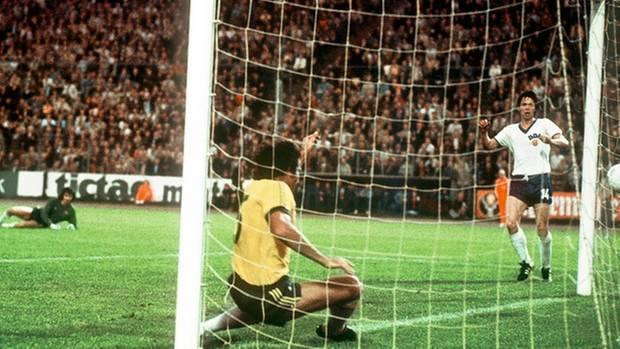 """""""Ein kleiner Triumph"""": 22. Juni 1974, Jürgen Sparwasser erzielt das 1:0 für die DDR in der WM-Vorrunde"""